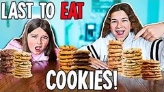 LAST TO STOP EATING COOKIES!! | JKREW
