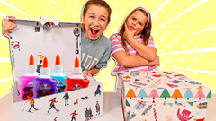 DON'T CHOOSE THE WRONG MYSTERY PRESENT SLIME CHALLENGE!! | JKREW